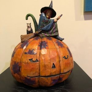 Jim Shore Heartwood Creek Witch on Pumpkin Figure